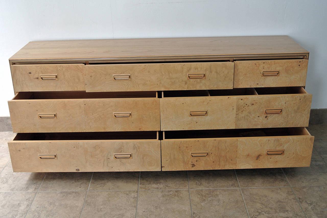 Henredon Seven-Drawer Dresser Olive Burl Scene Two, circa 1970